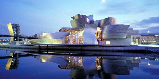 Guggenheim_Bilbao_1_550