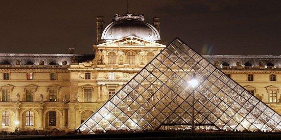 Louvre_1_550